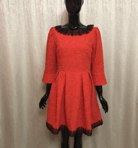 Новое женское платье красное
