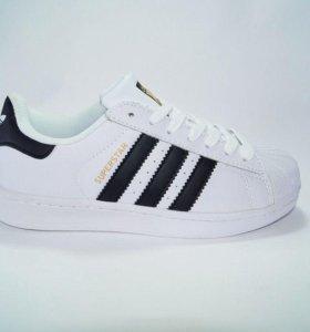 Кроссовки Adidas кожаные