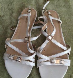 Новые сандали, 37 р-р