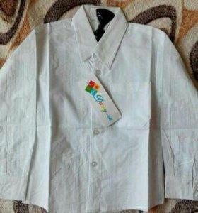 Нарядная белая рубашка с бабочкой