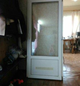Дверь пласстиковая
