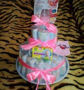 Торт из памперсов в подарок малышке