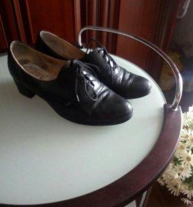 Женские ботинки б.У. 41 р натуральная кожа