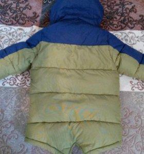 Зимняя куртка на 6-7лет.