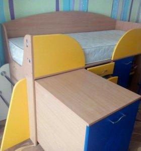 Детская кровать с матрасом!