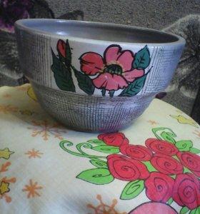 Горшок под цветы,глиняный