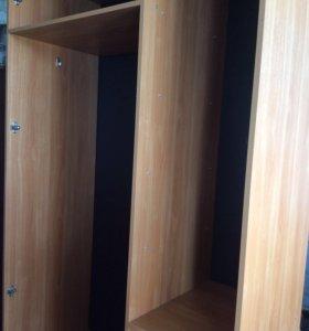 Шкаф трехсекционный с зеркалом