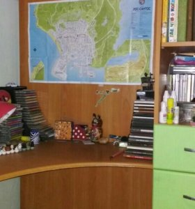 Детская мебель (кровать со шкафом и комп. столом)