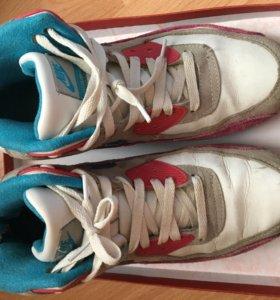 Кроссовки Nike утеплённые 40 размер