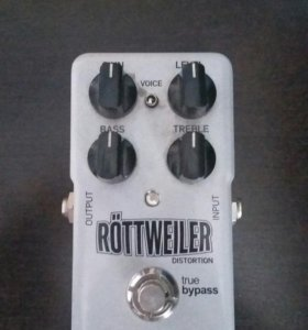 TC Electronic Röttweiler Distortion (Педаль Дисторшн)