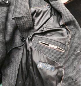 Очень стильное пальто (Италия)