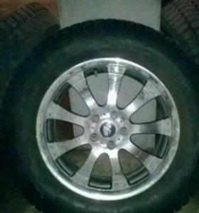 Комплект зимних шипованых колёс 18 на дисках