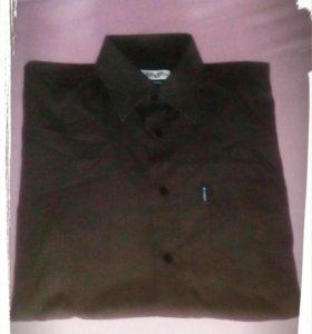 Черная мужская рубашка с длинным рукавом