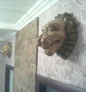 Головы львов
