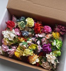 75 бумажных цветочков