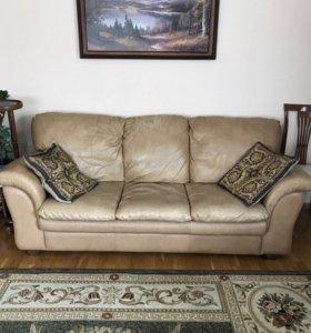 Продам кожаную мебель. Диван и два кресла.