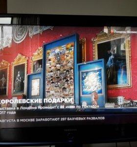 Телевизор Samsung и стойка