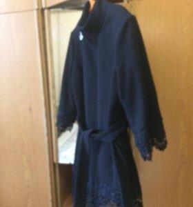 Продаю пальто одевала 2 раза