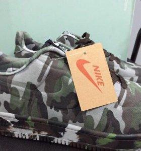 Камуфляжные Nike Air Force