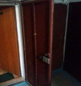 Продам дверь входную металическую