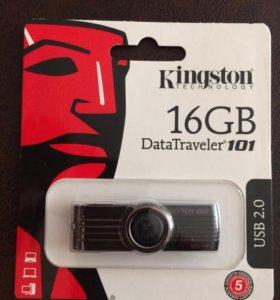 Флешка kingston на 16 GB