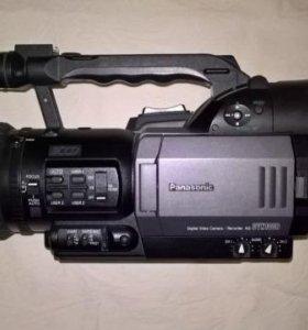 Видео-камера Panasonic AG-DVX100BE