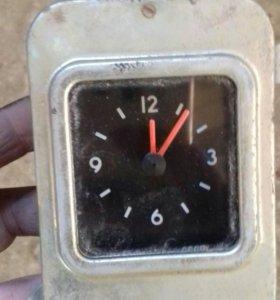 Часы ГАЗ 24 рабочие.