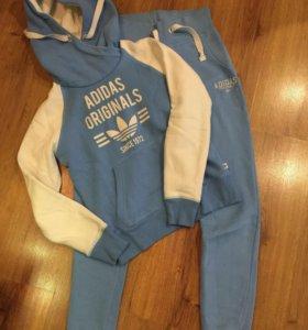 Спортивный женский костюм adidas,размер42