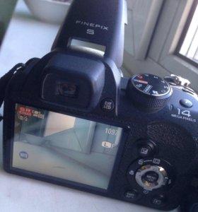 Цифоровой фотоаппарат Fujifilm pinepix s3400