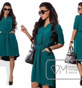 Платье зеленое с поясом и кармашками