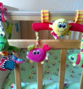 Игрушки-подвески на коляску и кровать