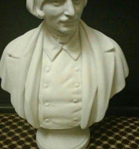 Бюст Н.В.Гоголя (Советскй фарфор)