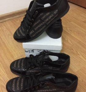 Две пары черных кроссовки Armani с коробкой