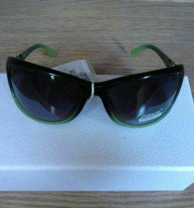 Классические солнцезащитные очки новые