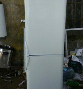 Двухметровый, двухмоторный холодильник Индезит