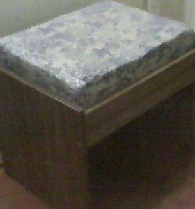 Продам стол кухонный (талнах)