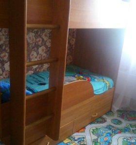 Двухярусная детская кроватка