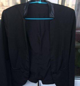 Чёрный пиджак от Киры Пластининой