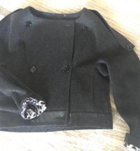Куртка, материал шерсть, цвет чёрный