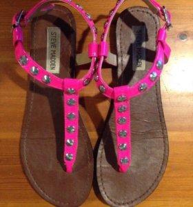 Новые оригинальные сандали Steve Madden