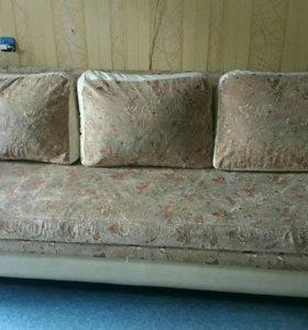 Продаю диван.