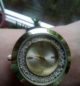 Часы женские. Новые
