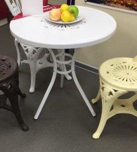 Продам комплект мебели для дачи
