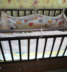Кроватка-трансформер «Укачай-ка» с матрасом.