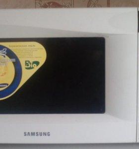 Продам микроволновка Samsung.