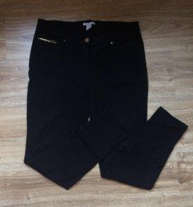 Стрейчевые чёрные штаны H&M
