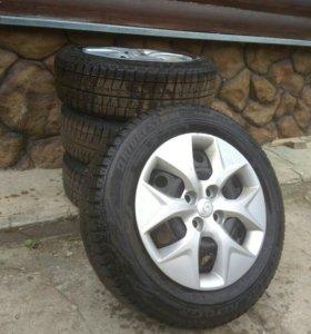 Колеса 4шт. BRIDGESTONE 185/65 R15 88S