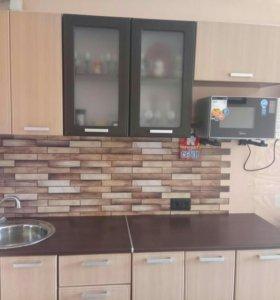 Кухонный гарнитур, длина 2 метра