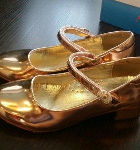 Туфли новые 33 р