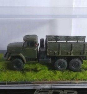 Модель автомобиля ЗиЛ-131
